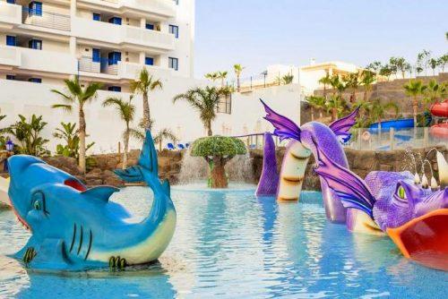 Globales Los Patos Park 2 family hotel in Malaga