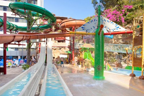waterpark hotel for holidays with kids