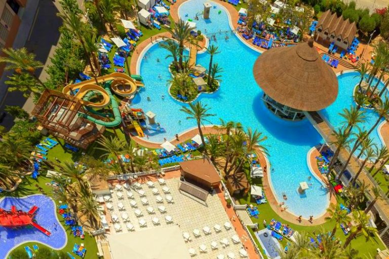 Magic Tropical Splash family hotel in Spain