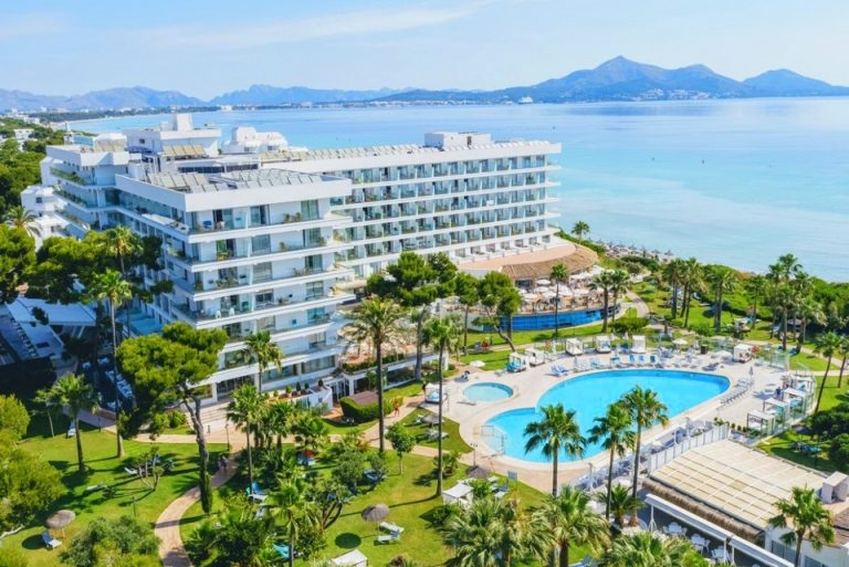 Playa Esperanza family hotel in Majorca