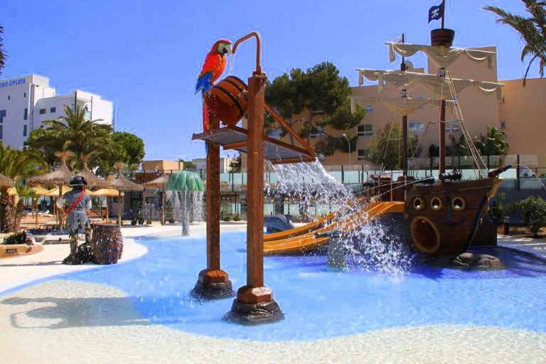 Marins Playa hotel for kids in Majorca