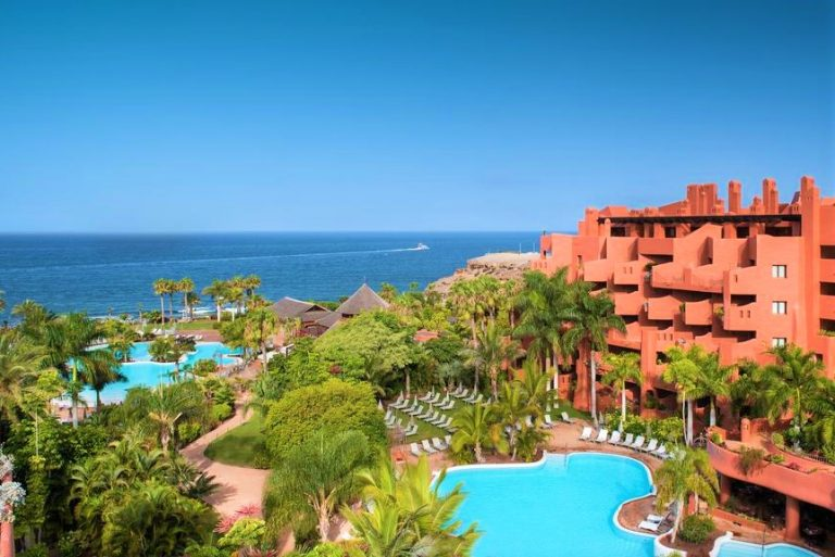 Sheraton La Caleta Resort & Spa for families in Tenerife