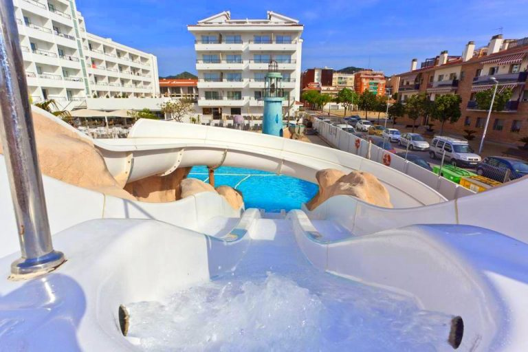 Family Hotel Pineda Splash in Costa Brava