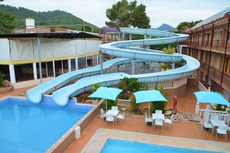 Complejo Turistico la Pinada family complex near Valencia
