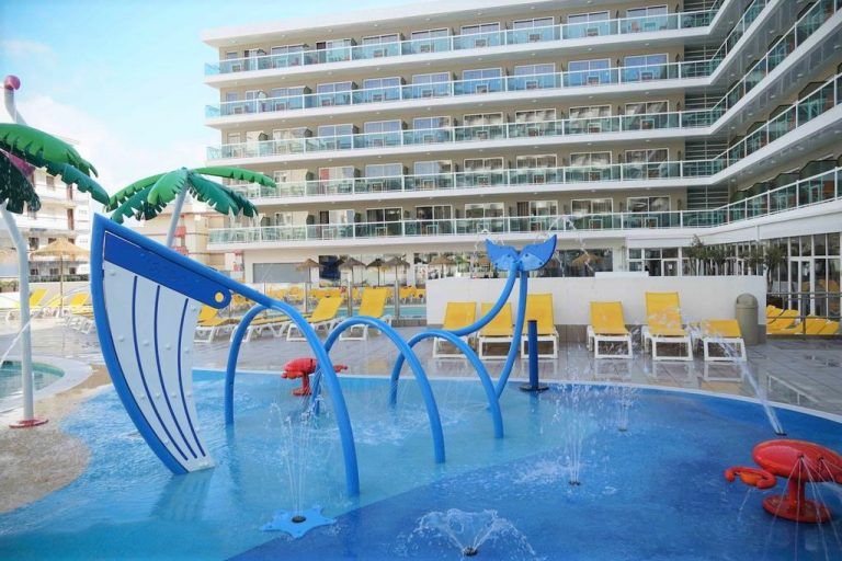 Ohtels Villa Dorada family hotel in Salou